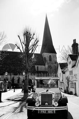 Wedding at St Mary Church in Horsham / The wedding car - Black and white wedding photography