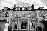 Front View De Vere Gorse Hill, Surrey Wedding Venue, Surrey Wedding Photographer,